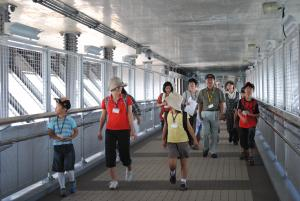 新湊大橋を見学