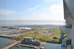 新湊大橋からの眺め
