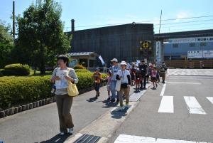 東新湊駅から歩いて新湊きっときと市場へ
