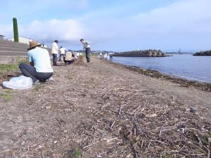 六渡寺海岸の様子